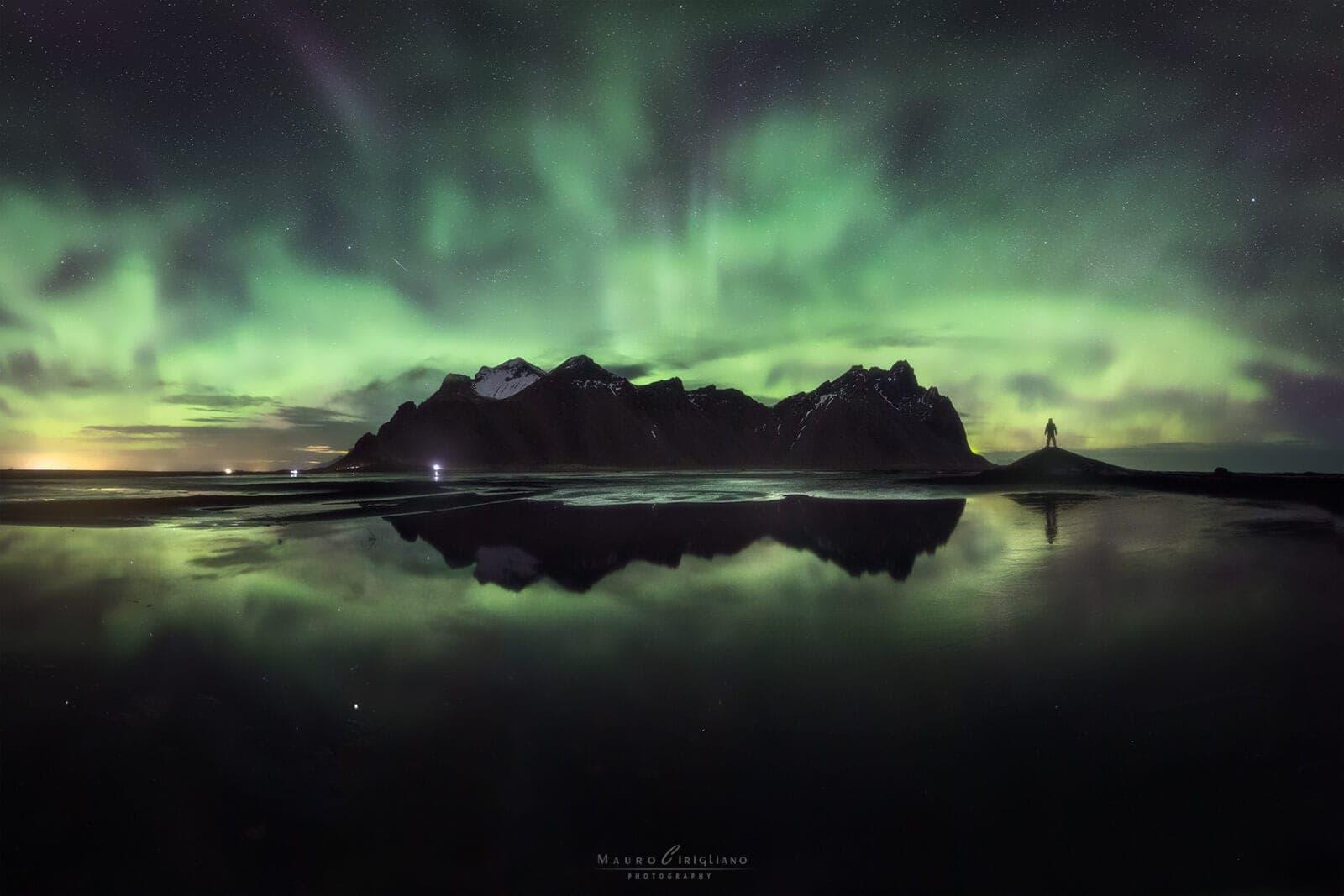vestrahorn notte aurora boreale