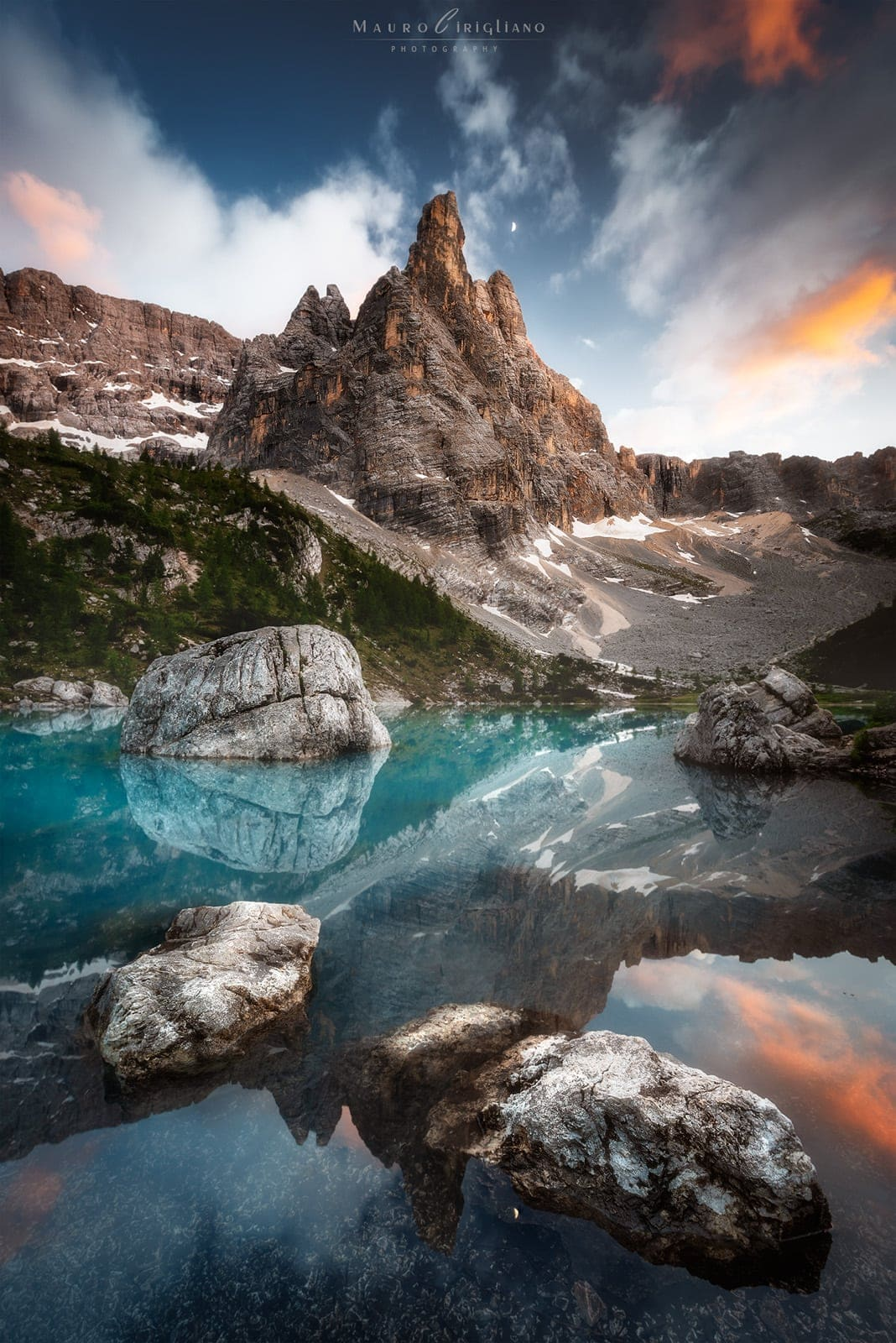lago sorapis sunset