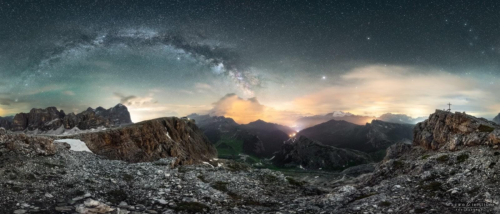 panorama da monte lagazuoi con cielo stellato